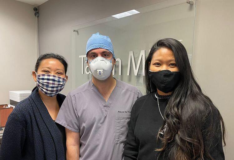 two-sisters-undergoing-asian-upper-blepharoplasty